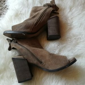 Dolce Vita Suede Taupe Chunky Heels